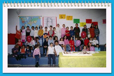 Bambini alla festa dell'adozione